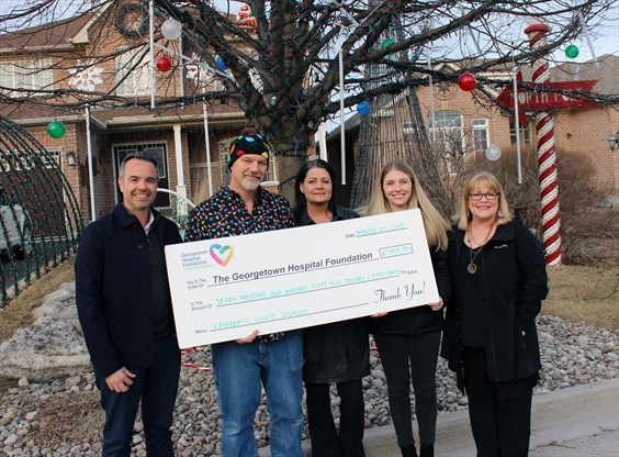 Lamberts' light display raises over $7K for Georgetown hospital